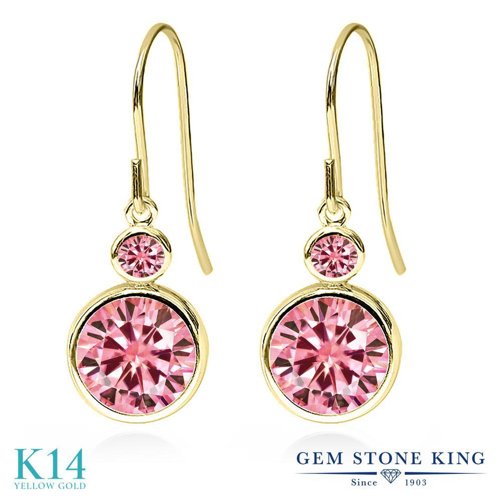 Gem Stone King 4カラット ピンク モアサナイト Charles & Colvard 14金 イエローゴールド(K14) ピアス レディース モアッサナイト 大粒 ぶら下がり フレンチワイヤー 金属アレルギー対応 誕生日プレゼント
