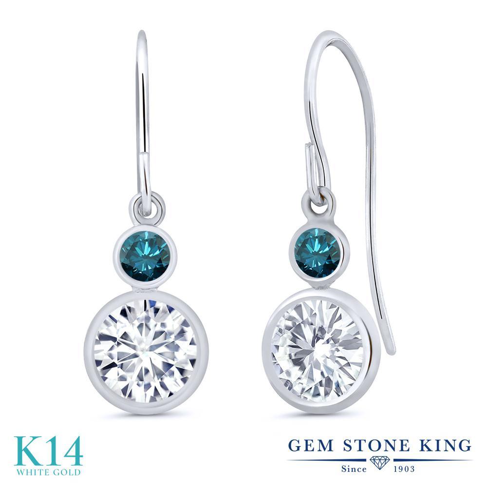 Gem Stone King 1.8カラット Forever One DEF 天然 ブルーダイヤモンド 14金 ホワイトゴールド(K14) ピアス レディース モアサナイト ぶら下がり フレンチワイヤー 金属アレルギー対応 誕生日プレゼント