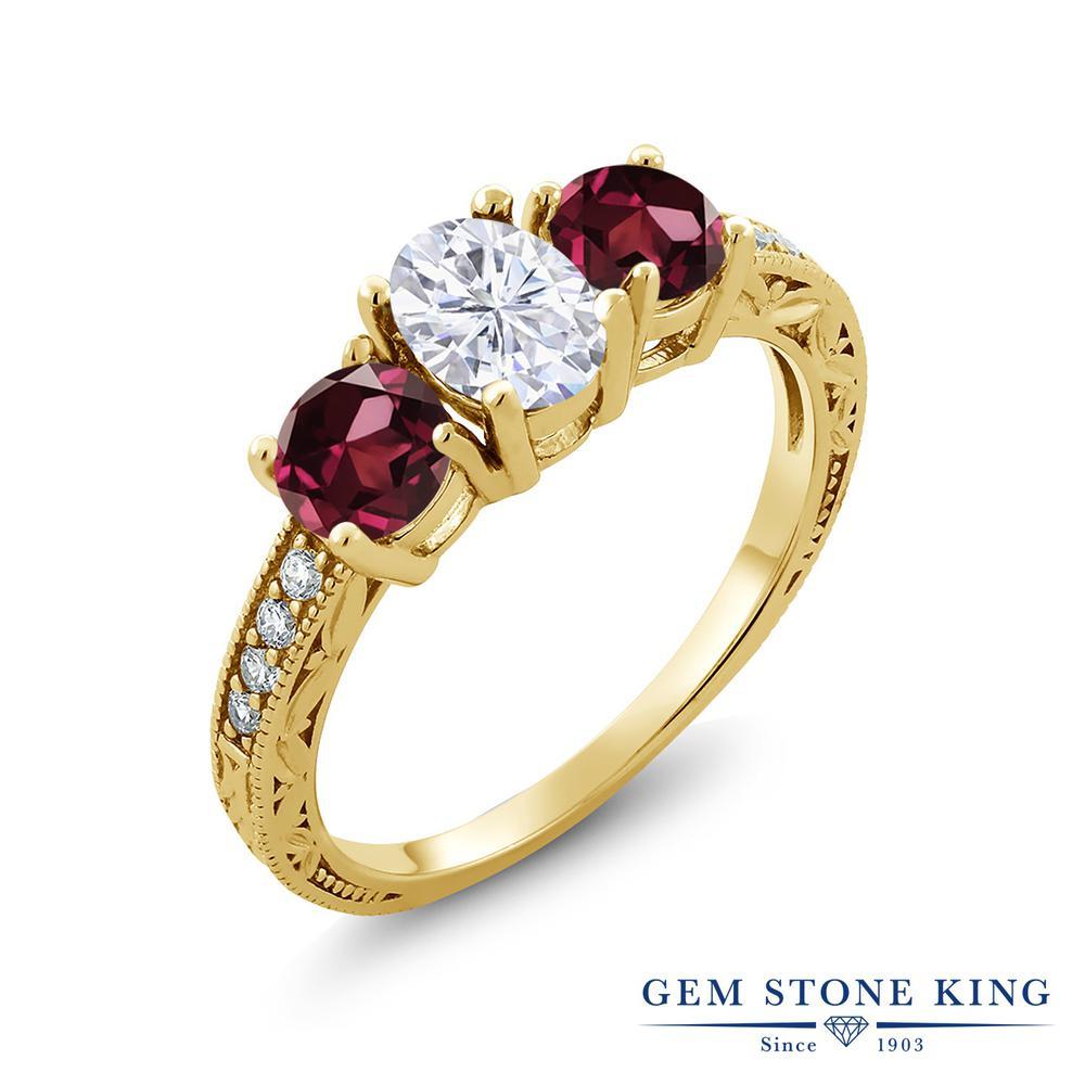 【10%OFF】 Gem Stone King 2.22カラット Forever Brilliant モアサナイト Charles & Colvard 天然 ロードライトガーネット 指輪 リング レディース シルバー925 イエローゴールド 加工 モアッサナイト スリーストーン クリスマスプレゼント 女性 彼女 妻 誕生日