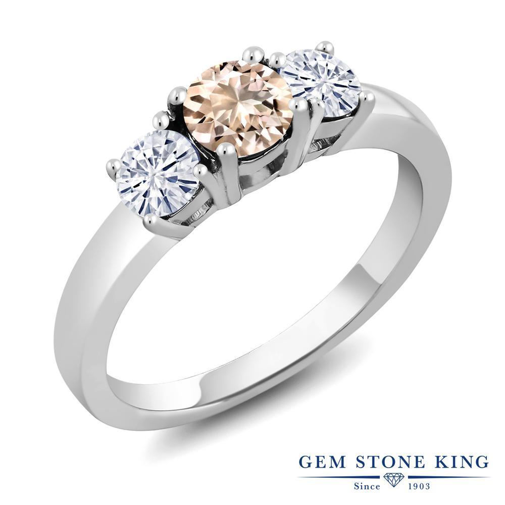 Gem Stone King 0.86カラット 天然 モルガナイト (ピーチ) モアサナイト Charles & Colvard シルバー925 指輪 リング レディース 小粒 シンプル スリーストーン 天然石 3月 誕生石 金属アレルギー対応 誕生日プレゼント
