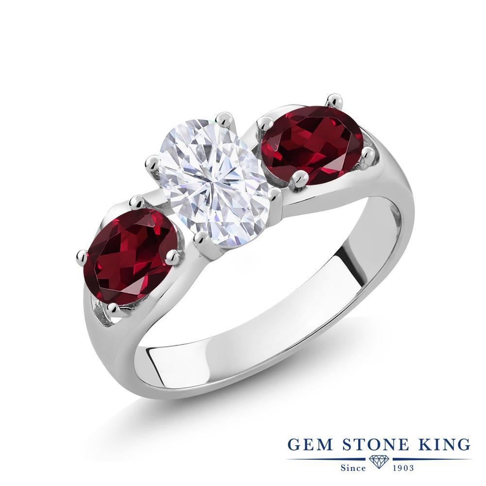 Gem Stone King 1.9カラット Forever Brilliant モアサナイト Charles & Colvard 天然 ロードライトガーネット シルバー925 指輪 リング レディース モアッサナイト シンプル スリーストーン 金属アレルギー対応 誕生日プレゼント