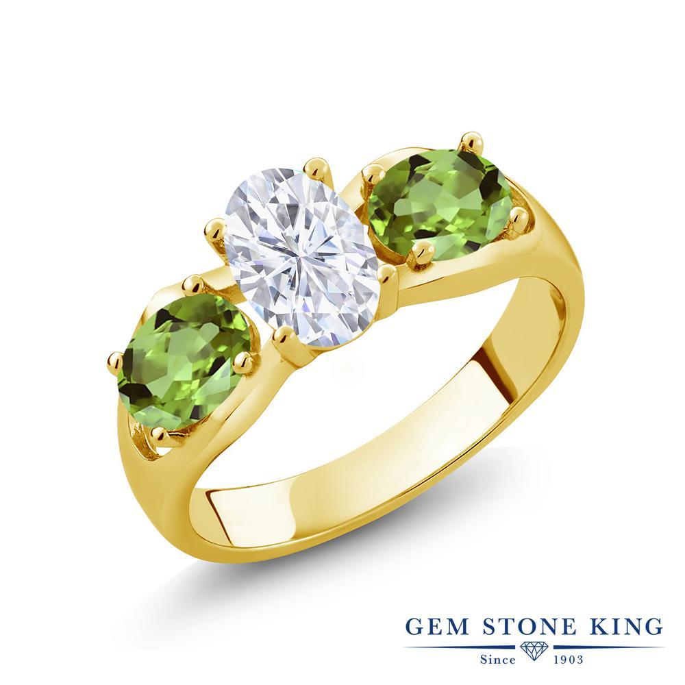 Gem Stone King 1.9カラット Forever Brilliant モアサナイト Charles & Colvard 天然石 ペリドット シルバー925 イエローゴールドコーティング 指輪 リング レディース モアッサナイト シンプル スリーストーン 金属アレルギー対応 誕生日プレゼント