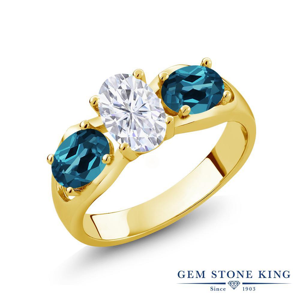 Gem Stone King 2.1カラット Forever Brilliant モアサナイト Charles & Colvard 天然 ロンドンブルートパーズ シルバー925 イエローゴールドコーティング 指輪 リング レディース モアッサナイト シンプル スリーストーン 金属アレルギー対応 誕生日プレゼント