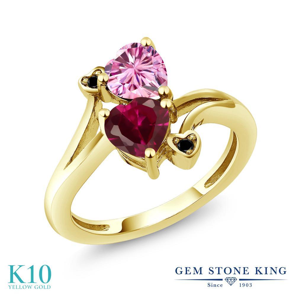 Gem Stone King 1.8カラット ピンク モアサナイト Charles & Colvard 合成ルビー 天然ブラックダイヤモンド 10金 イエローゴールド(K10) 指輪 リング レディース モアッサナイト ダブルストーン 金属アレルギー対応 誕生日プレゼント