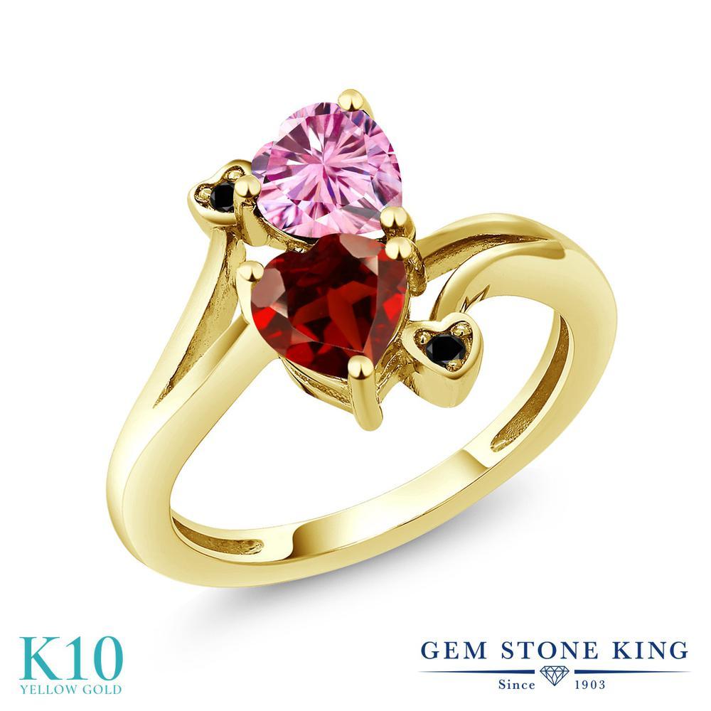 Gem Stone King 1.83カラット ピンク モアサナイト Charles & Colvard 天然 ガーネット 天然ブラックダイヤモンド 10金 イエローゴールド(K10) 指輪 リング レディース モアッサナイト ダブルストーン 金属アレルギー対応 誕生日プレゼント