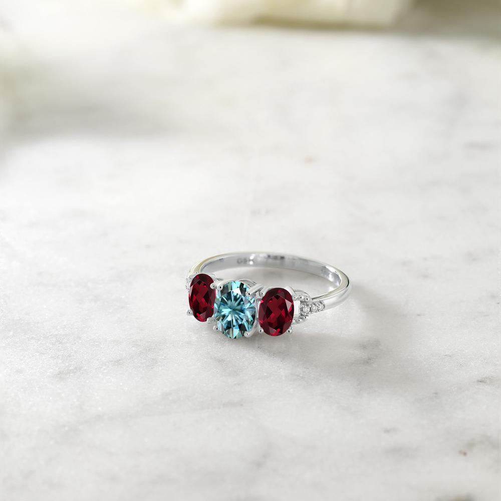 1 92カラット ブルー モアサナイト CharlesColvard 指輪 レディース リング 天然 ロードライトガーネット ダイヤモンド 10金 ホワイトゴールド K10 ブランド おしゃれ 3連 モアッサナイト スリーストーン 婚約指輪 エンゲージリングMVqUzSpG