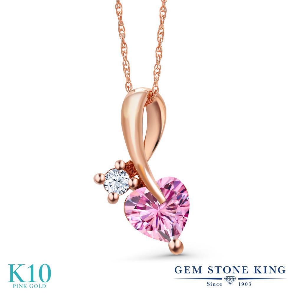 Gem Stone King 0.93カラット ピンク モアサナイト Charles & Colvard 合成ホワイトサファイア (ダイヤのような無色透明) 10金 ピンクゴールド(K10) ネックレス ペンダント レディース モアッサナイト シンプル 金属アレルギー対応 誕生日プレゼント