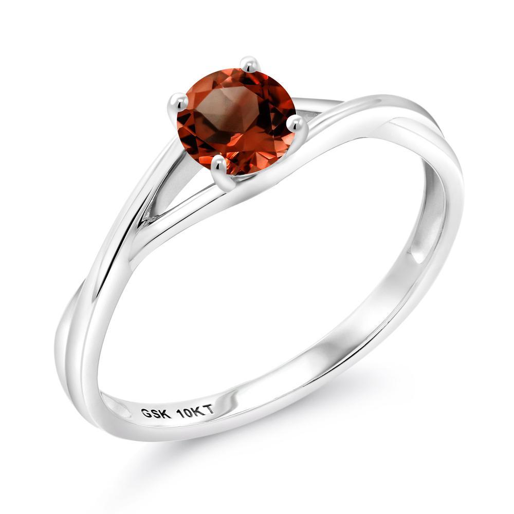 Gem Stone King 1カラット 天然 ガーネット 10金 ホワイトゴールド(K10) 指輪 リング レディース 大粒 一粒 シンプル バンド 天然石 1月 誕生石 金属アレルギー対応 婚約指輪 エンゲージリング