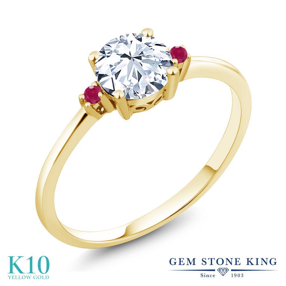 Gem Stone King 1.03カラット 合成ホワイトサファイア (ダイヤのような無色透明) 天然 ルビー 10金 イエローゴールド(K10) 指輪 リング レディース 大粒 シンプル ソリティア 金属アレルギー対応 誕生日プレゼント