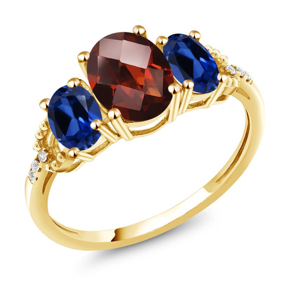 Gem Stone King 2.78カラット 天然 ガーネット シミュレイテッド サファイア 天然 ダイヤモンド 10金 イエローゴールド(K10) 指輪 リング レディース 大粒 スリーストーン 天然石 1月 誕生石 金属アレルギー対応 誕生日プレゼント