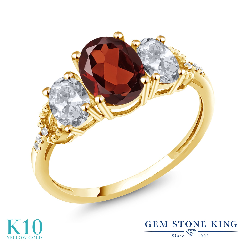 Gem Stone King 2.74カラット 天然 ガーネット 天然 トパーズ (無色透明) 天然 ダイヤモンド 10金 イエローゴールド(K10) 指輪 リング レディース 大粒 スリーストーン 天然石 1月 誕生石 金属アレルギー対応 誕生日プレゼント