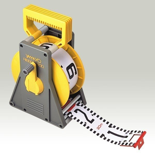 YAMAYO ヤマヨ測定機 リボンロッド 60mm幅 50m ケース付 R6A50L E1タイプ(表タテ数字1m毎赤白 裏ヨコ数字1m毎赤白) リボンテープ【測量/土木/建築/現場写真/工事写真】