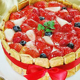 冷蔵 メーカー公式 ホール ケーキ ホールケーキ でお届け バースデーケーキ パーティやお誕生日のプレゼントにおすすめ φ17cm キャンペーンもお見逃しなく フランボワーズ ショートケーキ 誕生日 ショートケーキ苺 イチゴ ミックスベリー のケーキ ブルーベリー