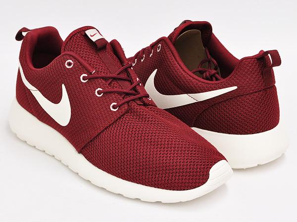 Nike Roshe Kjøre Rød Seil Kjøpe Kjøpe ZmK7RE