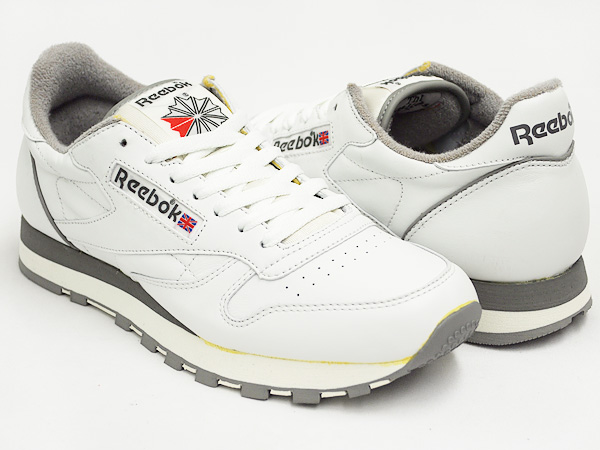 various styles detailed look separation shoes Reebok CLASSIC LEATHER VINTAGE WHITE / CARBON