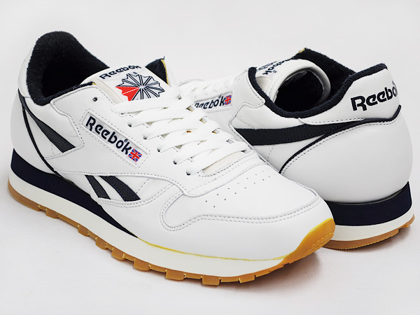 867a68092f3 gettry  Reebok CLASSIC LEATHER VINTAGE WHITE   ATHLETIC NAVY   GUM ...
