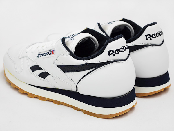 reasonably priced uk store 100% high quality Reebok CLASSIC LEATHER VINTAGE WHITE / ATHLETIC NAVY / GUM