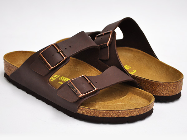 「birkenstock arizona birko-flor sandals in dark brown」的圖片搜尋結果