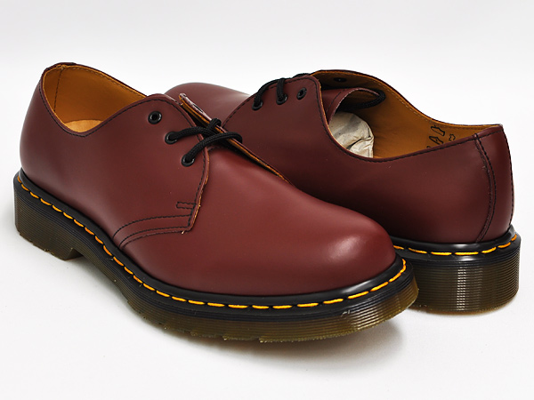 f8e68cd38995f gettrymag  Dr.Martens 3EYE GIBSON SHOE 1461 CHERRY RED SMOOTH ...