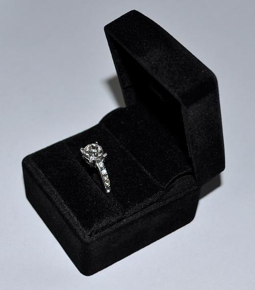 動画がご覧いただけます【手品 マジック】Vanishing Ring (Gimmick Black Black (Gimmick and Online and Instructions) バニシングリング 黒リングケース by SansMinds【コンビニ受取対応商品】, Zakcafe:28705d2f --- officewill.xsrv.jp