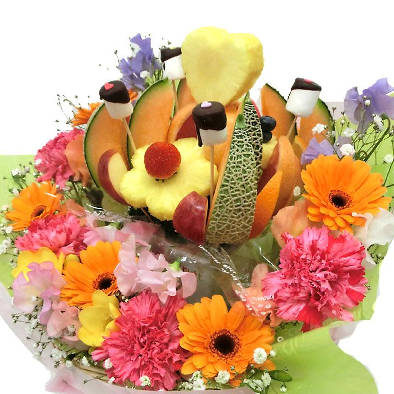 [ギフトパーク]誕生日ケーキより珍しいカットフルーツ盛り合わせ【ノア花プラス】生花付きカットフルーツフラワーアレンジメント サプライズ プレゼント バースデープレゼント 誕生日 プレゼント バースデーケーキ 果物 詰め合わせ フルーツケーキ フルーツギフト