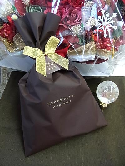 ラッピング付きCOACH コーチ トリプルハート ネックレス ピンクゴールド 正規箱付き未使用・新品同様 プレゼントに最適rdBexoC