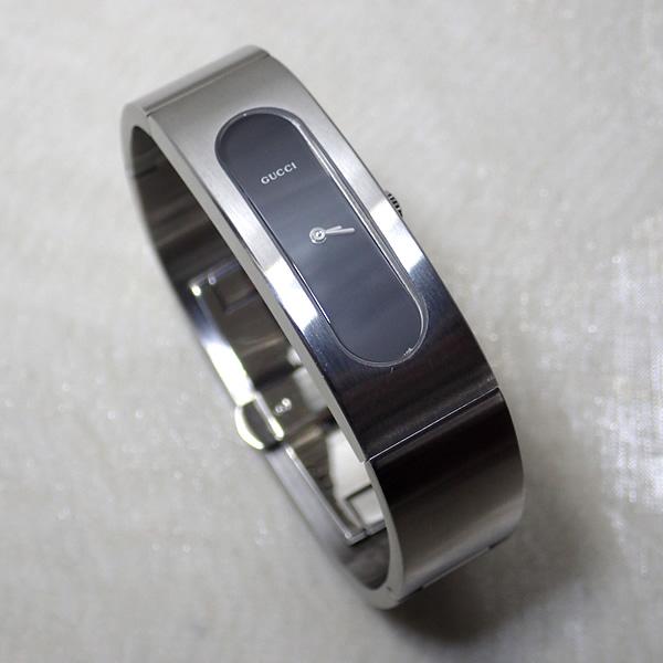 【未使用品】 グッチ GUCCI 腕時計 レディース 2405SP BLK YA024602 シルバーSS ブレスレット バングル ウォッチ クォーツ ブラック文字盤 【中古】