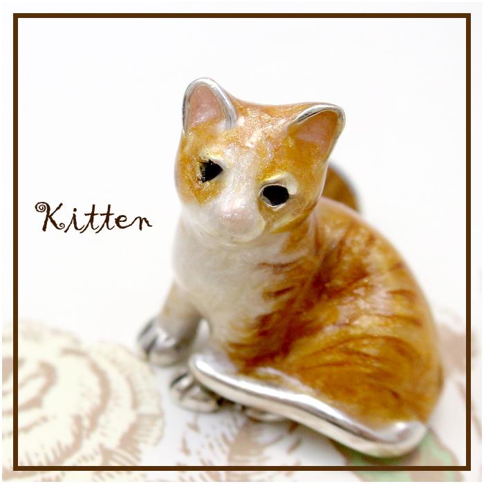 子猫の シルバーピンブローチ SILVER 925 シルバーアクセサリー 留め具 銀装飾 シルバー ブローチ 動物 キャッツ CATS ねこ プレゼント 人気 おしゃれ