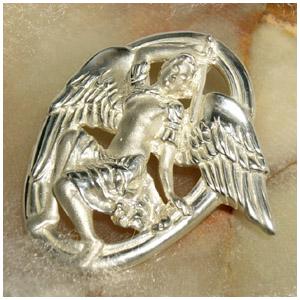 最強の天使ミカエル シルバーブローチ ペンダントトップとしてもお使い頂けます 925 留め具 銀装飾 プレゼント 人気 おしゃれ