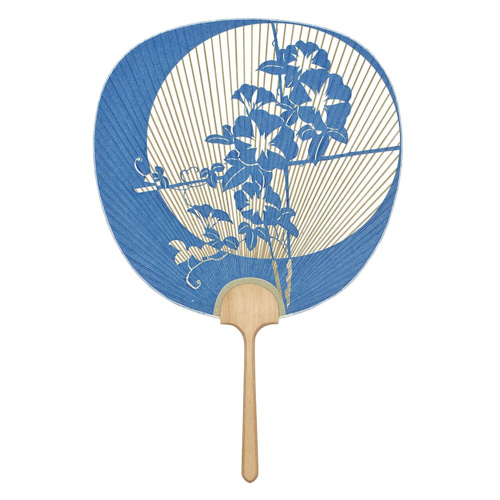 夏の贈り物に京都の うちわ はいかがですか? 永遠の定番モデル 大型透かしうちわ 高級団扇 京うちわ 優美 スーパーセール ぎんやんま 京都 天然木 1164 化粧箱付き 青