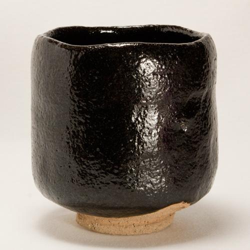 黒楽 筒茶碗 (抹茶碗) 〔川嵜和楽(川崎和楽)〕