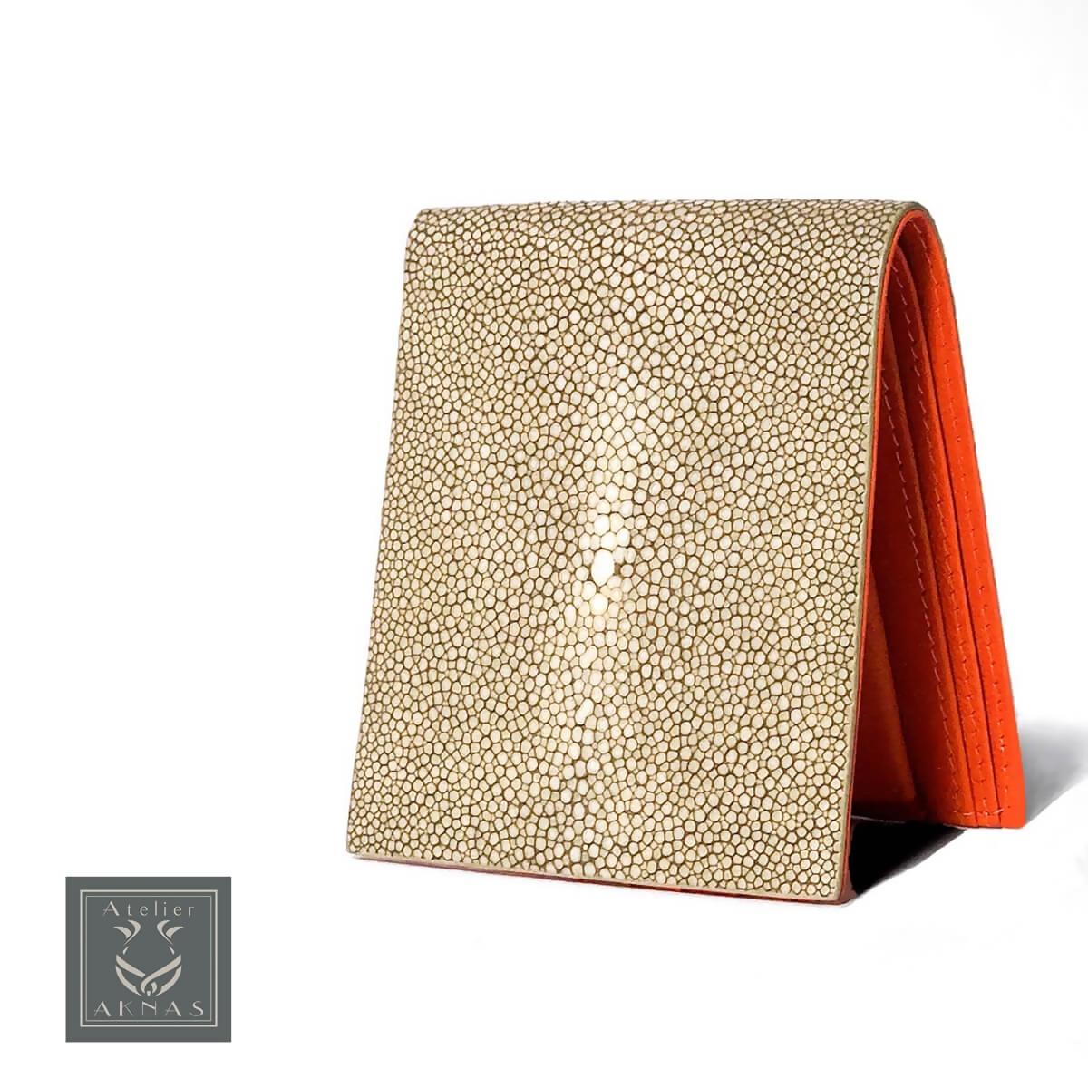 AKNAS (アクナス)財布 二つ折り財布 折り財布 エイ革 スティングレイ ガルーシャ エキゾチックレザー おしゃれ 高級 フランス タイ製