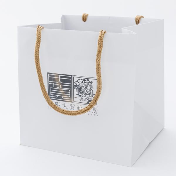 ボックスセットをプレゼントするときに マチ幅の広い紙袋があれば便利ですね 靴磨きセット用 訳あり 当店オリジナル紙袋 売買 W230サイズ 巾230xマチ200x高さ230 シューケアセット