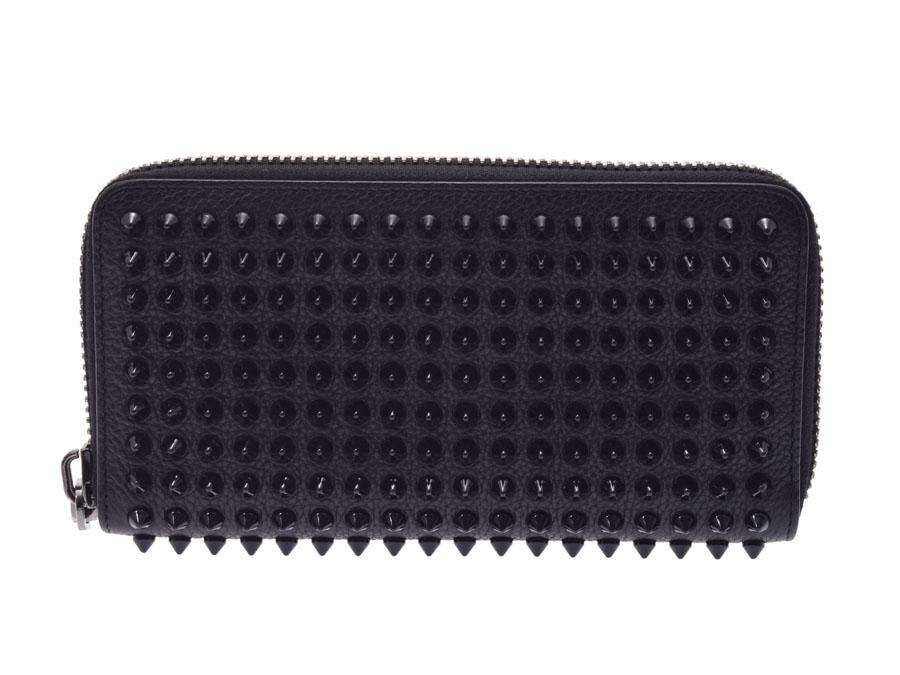 1b7ff475b6a8 スパイクが印象的なルブタンのラウンドファスナー長財布。 札入れ?カードポケット12コ?オープンポケットは複数配し、収納が充実しております。