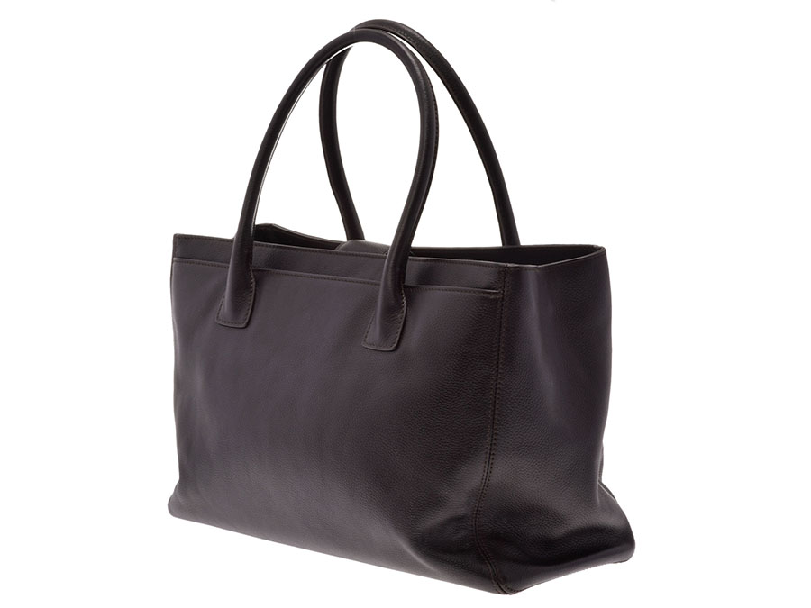 38de8368496399 The tote bag of the executive line of the refined design. It is elegant and,  with calm sense of quality, plays an active part in the capacity to be  included ...
