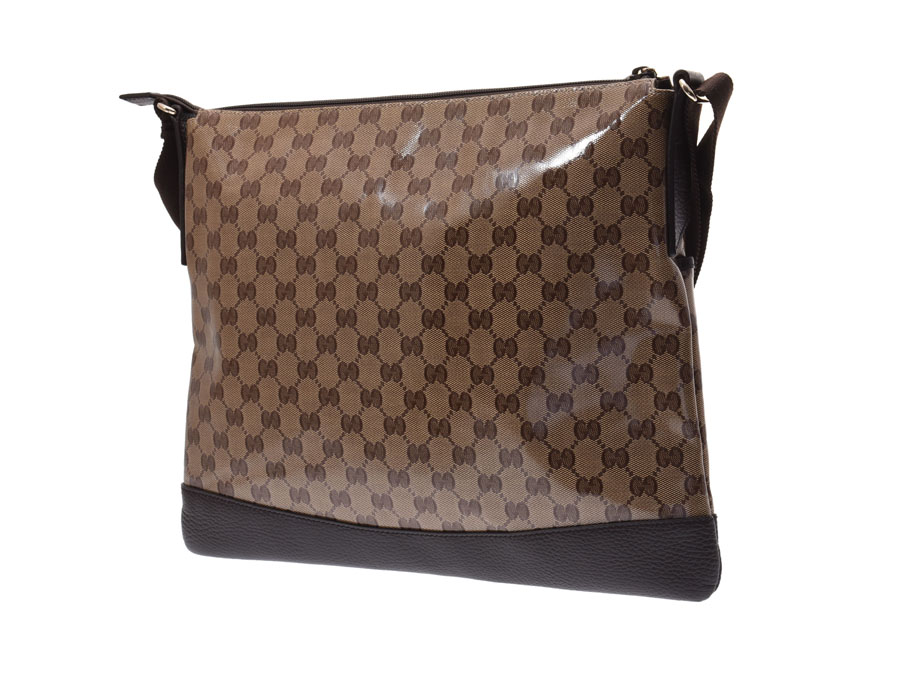 020bf68154 The shoulder bag which is stylish although being I am identified as Gucci  in GG pattern at first sight