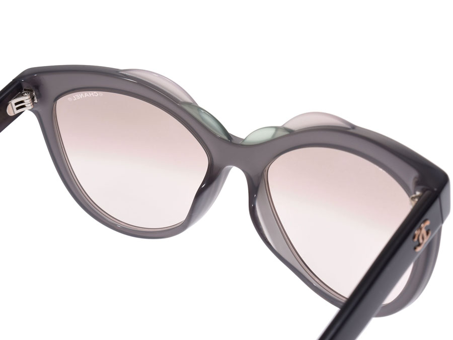 17b030cf6b3 The sunglasses that a unique frame design is stylish. I am how old in the  fashion accentuating regardless of a season or am convenient when I have.