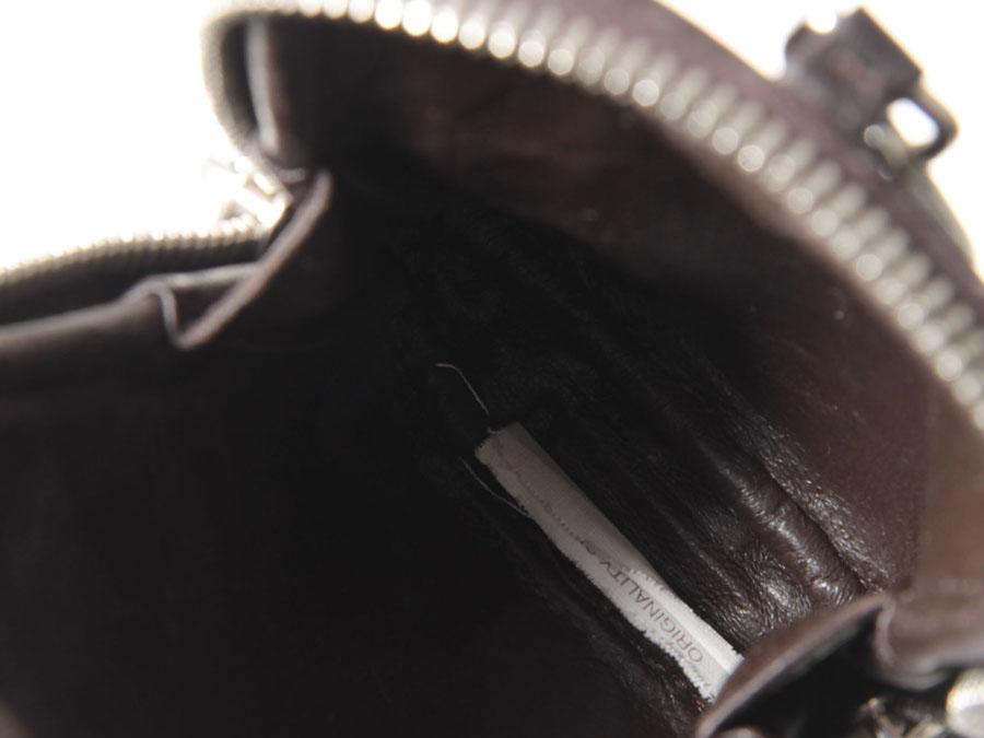 编织 Bottega Veneta 卷烟案件布朗-