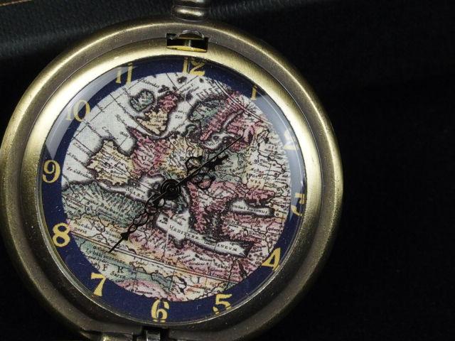 懐中時計 古地図懐中時計 古地図の文字盤 クォーツ ブロンズ製 アンティーク 透かし彫刻 Seasonal Wrap入荷 ダンディズム イタリア スペイン製 至上 スチームパンク 北欧 欧州