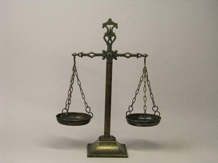 公平 真実の象徴 アンティークStyle 天秤 イタリア製 真鍮製 西洋インテリア 弁護士事務所 ジョバンニローゼ インテリア (人気激安) 置物 オブジェ マート 小物 欧州 西洋風 北欧 クリスマス アンティーク イタリア