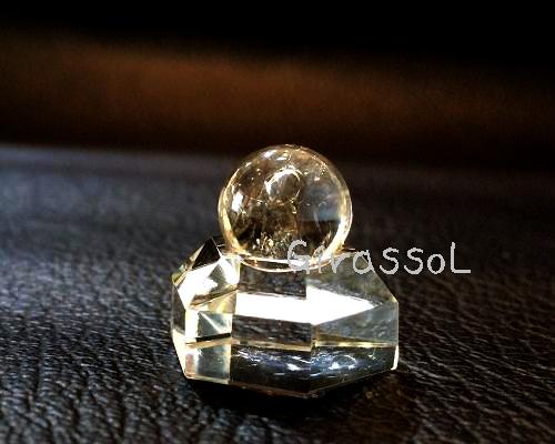 丸玉10mm 水入り水晶