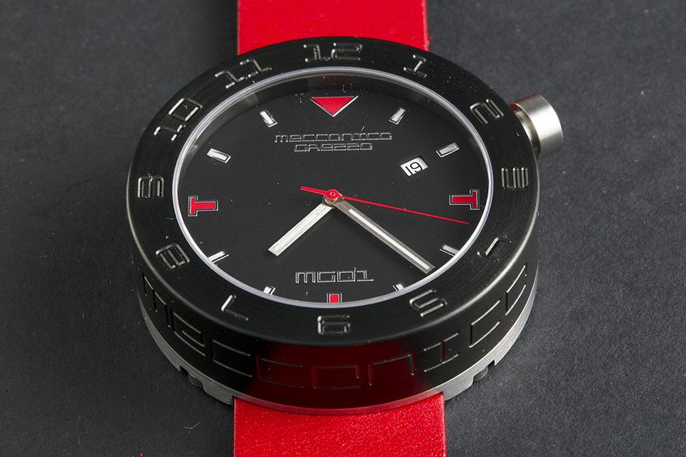 MECCANICA GREZZA(メカニカ・グレッザ) MG01 44B BK-RD ブラック/ブラック/レッド イタリアンデザインウォッチ メンズ機械式腕時計