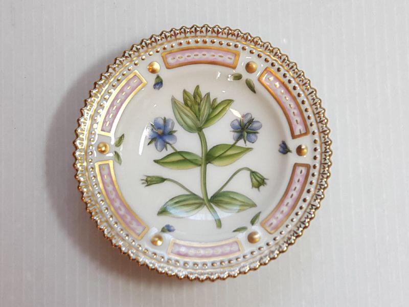 ロイヤルコペンハーゲン プレート■フローラダニカ バタープレート 小皿 1枚 植物図鑑 1級品 美品 3