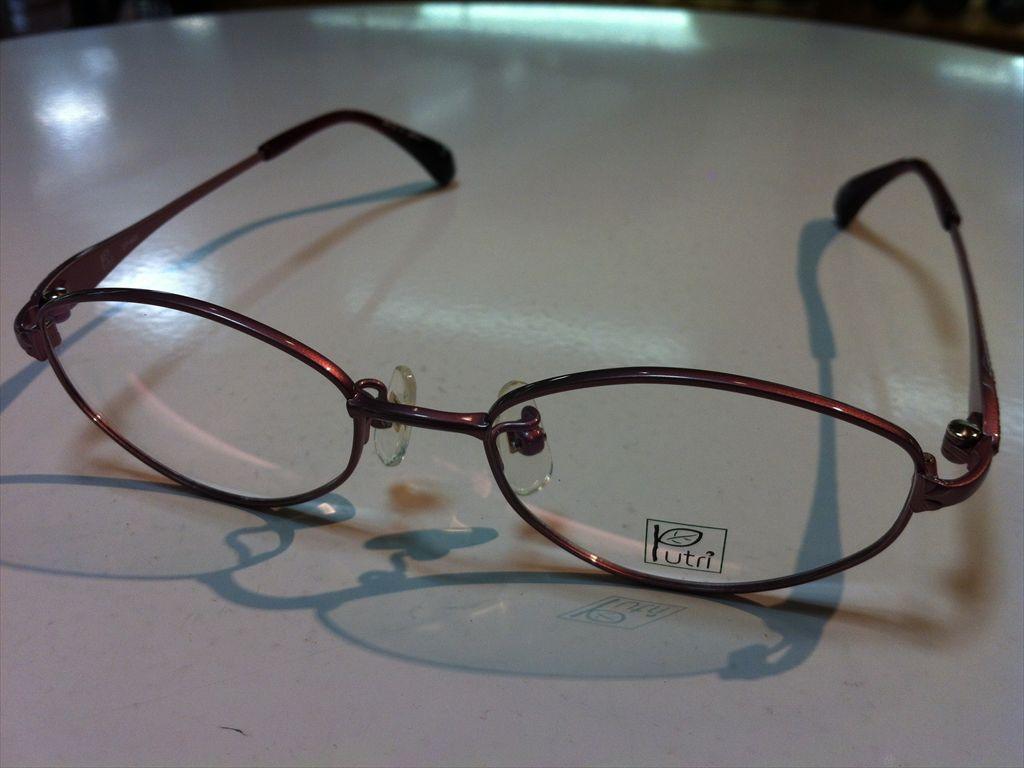 Putri(プトゥリ)メガネフレーム(メタルフレーム)高品質日本製メガネフレームEP-849 4(ピンク/レッド) 47サイズ