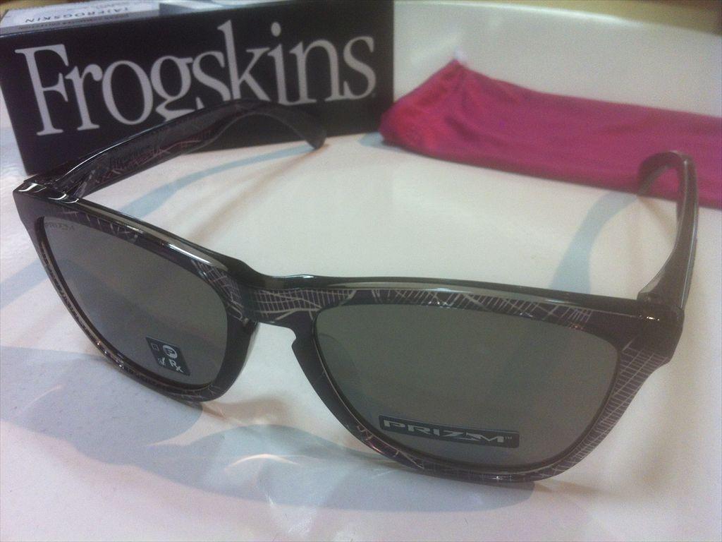 OAKLEY(オークリー)Frogskins(フロッグスキン)(A)OO9245-6854(NYCブラック)サングラス有名ブランドサングラスO-Matter製軽量フレーム