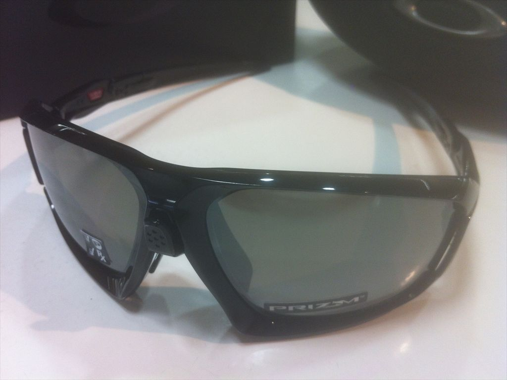 OAKLEY(オークリー)FIELD JACKET(フィールドジャケット)OO9402-0864(ポリッシュドブラック)スポーツ用サングラス偏光サングラス有名ブランドサングラス