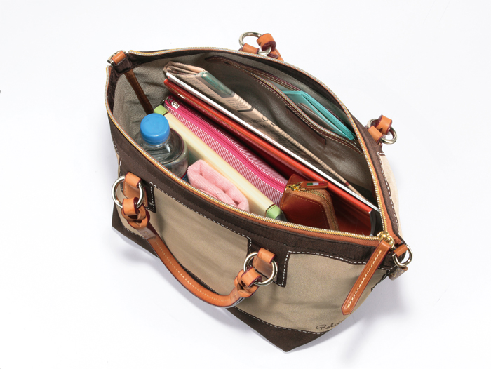 罗伯塔 · 皮耶制造的意大利罗伯塔 · 皮耶 2 方式手提袋 /