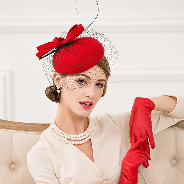 【ヘッドドレス】ウールリボンフェザーチュール付きカチューシャヘッドドレス♪レッド 赤 ヘッドドレス ヘアアクセ ヘッドアクセ 髪飾り 結婚式【GLITTER DRESS】【グリッタードレス】