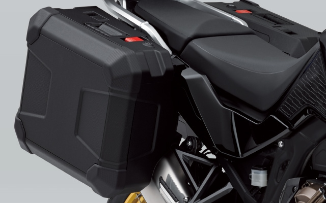 【Honda(ホンダ)】 20年モデル CRF1100L Africa Twin(アフリカツイン)Adventure Sports(SD10) 共用樹脂パニアセット(左右セット) 08L71-MKS-E00