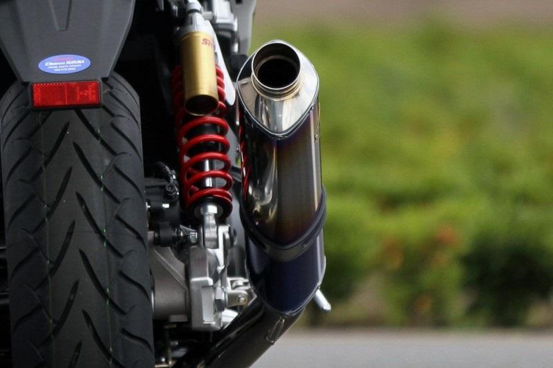 【アールズギア (r's gear)】 【4582329786569】ワイバン シングル カーボン CB1300SB 14- 【WH19-01CF】 P060-4363